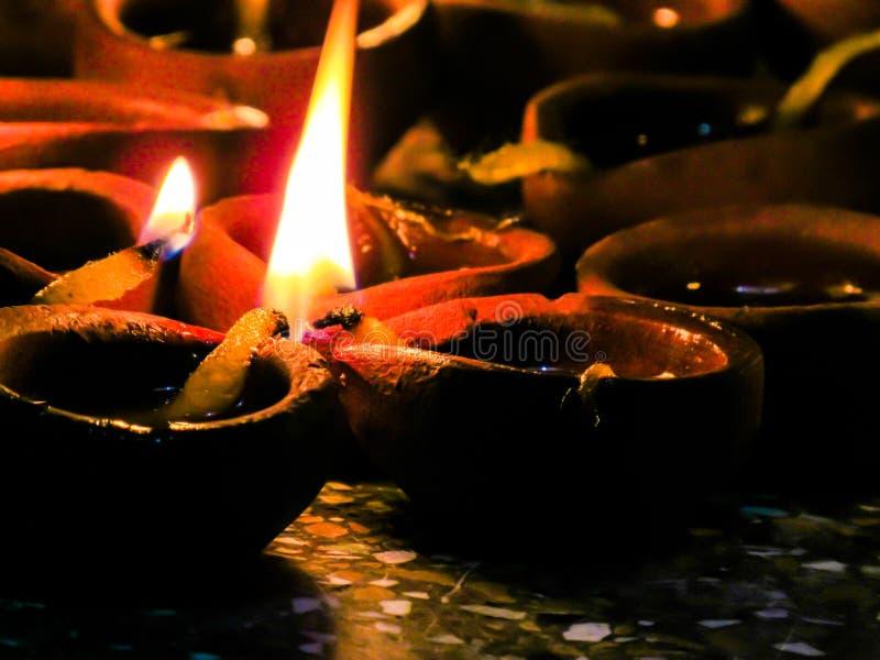 Lit-diyalamp Kleidiya Traditioneel Festival Diwali stock afbeeldingen