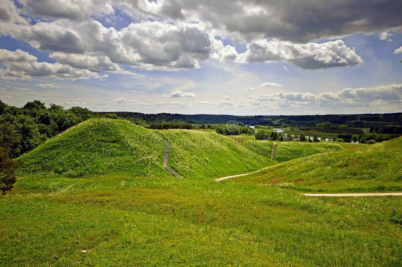 Litauiska historiska huvudKernave arkivbild