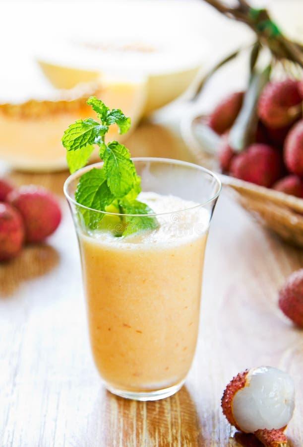 Litchi avec le smoothie de melon photo libre de droits