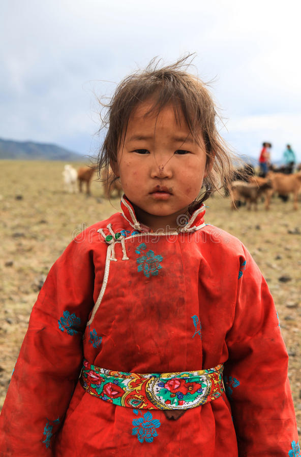 Lite flicka i Mongoliet arkivfoto