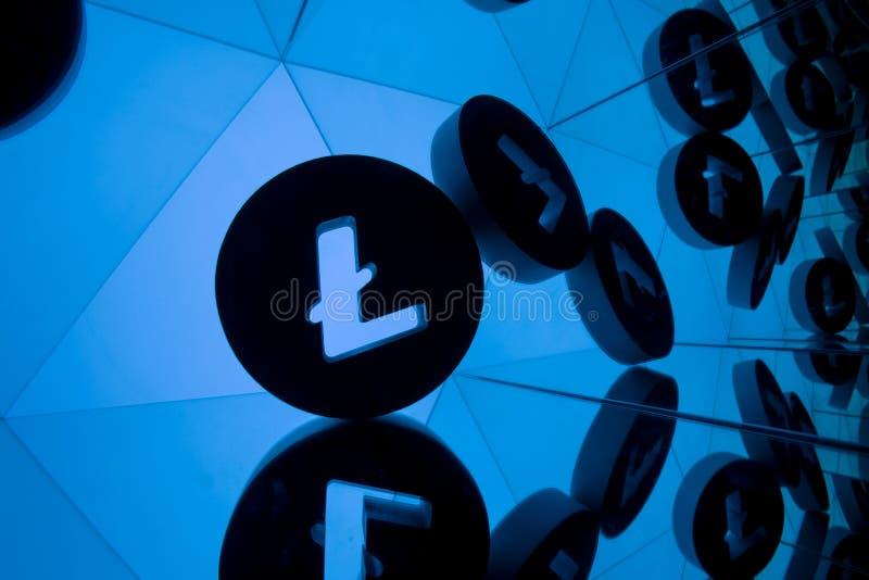 Litecoin与许多镜象的货币符号的本身 向量例证