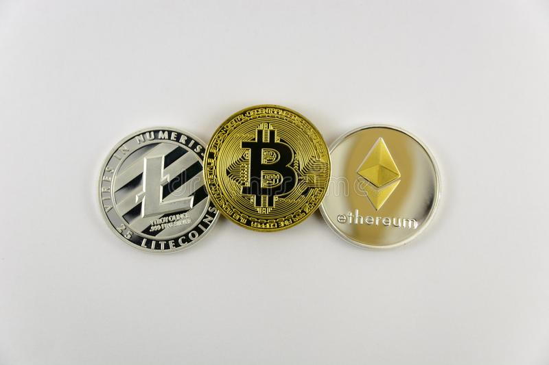 Litecoin, bitcoin en etheriumclose-up stock foto