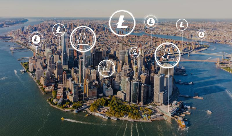 Litecoin com vista aérea de Manhattan foto de stock royalty free