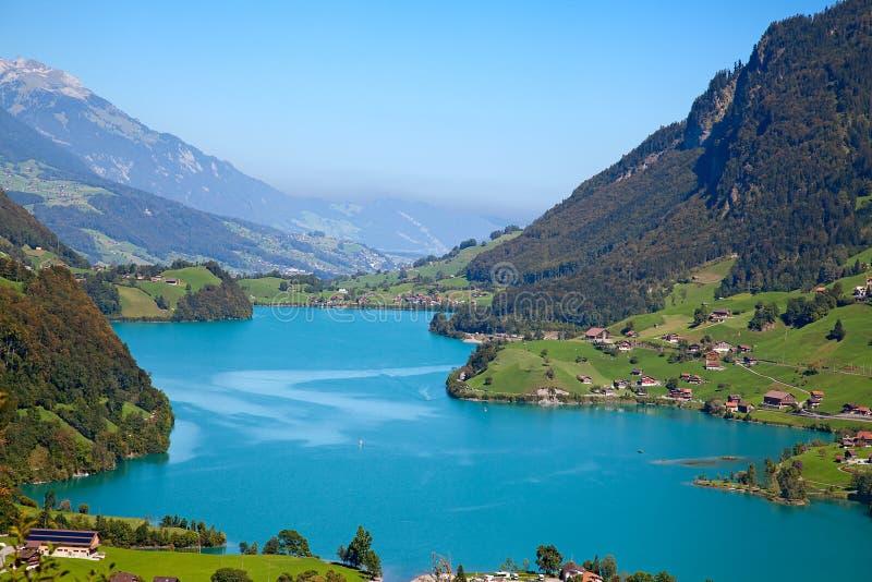 Liten alpin lake royaltyfria foton