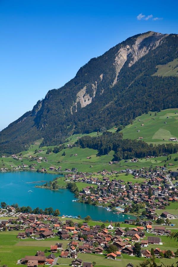 liten alpin lake fotografering för bildbyråer