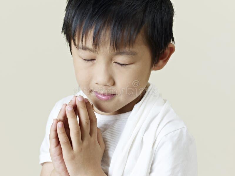 Liten asiatisk pojke arkivfoton