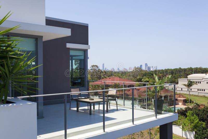 Liten balkong fotografering för bildbyråer