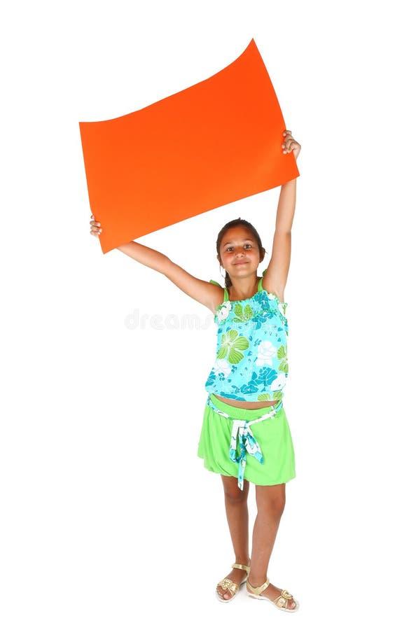 Liten flicka med orange bollboard royaltyfri bild