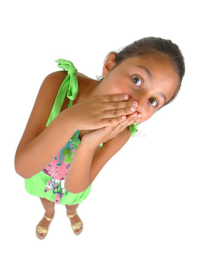 Liten flicka med uttryck av överraskningen arkivfoton