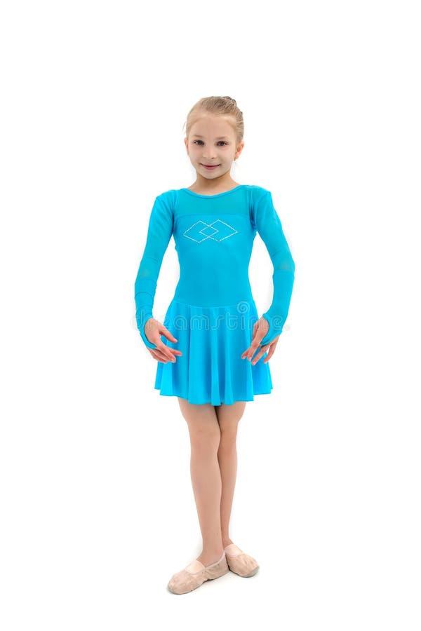 Liten flicka som balettdansören, studioskott på vit bakgrund royaltyfri foto