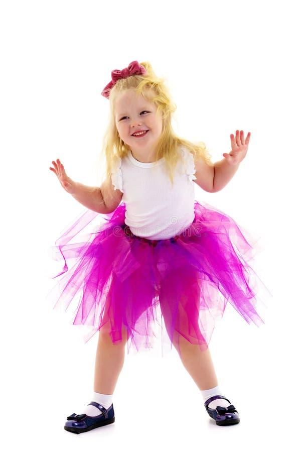 Liten flickaballerina utf?r dans fotografering för bildbyråer