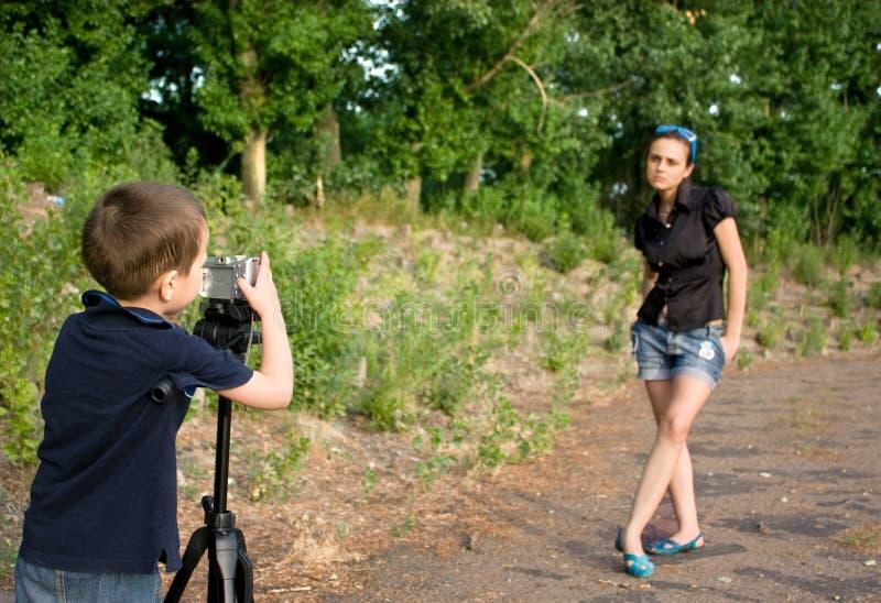 liten fotograf för pojke arkivbild