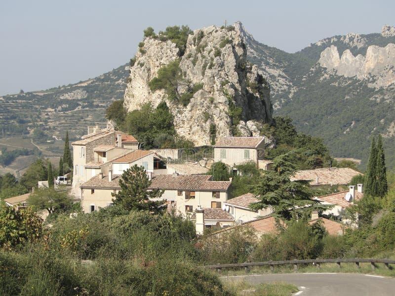 Liten fransk backeby av Le Roque Alric fotografering för bildbyråer