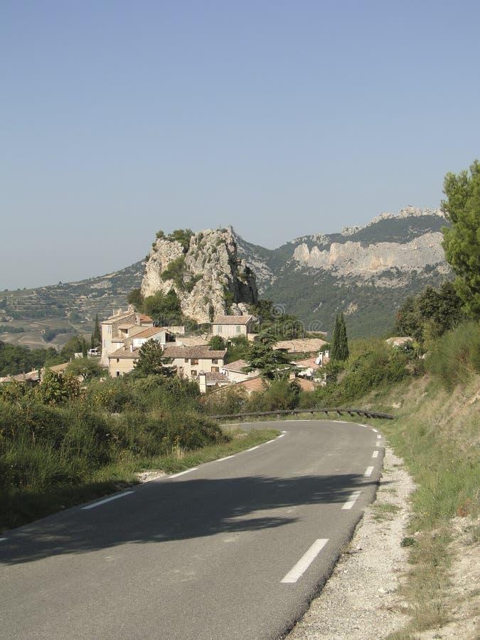 Liten fransk backeby av Le Roque Alric royaltyfria foton