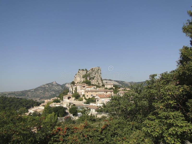 Liten fransk backeby av Le Roque Alric arkivfoto