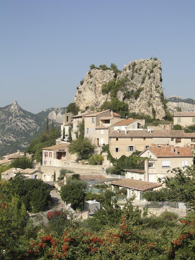 Liten fransk backeby av Le Roque Alric arkivbild
