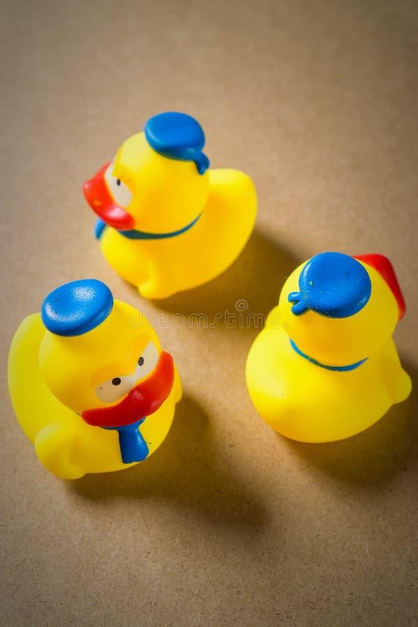 Liten gul rubber ankunge tre fotografering för bildbyråer