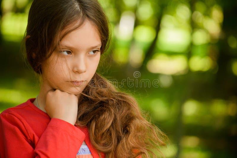 Liten härlig flickatanke royaltyfria bilder