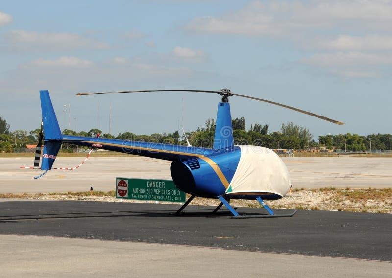 liten helikopter arkivbilder