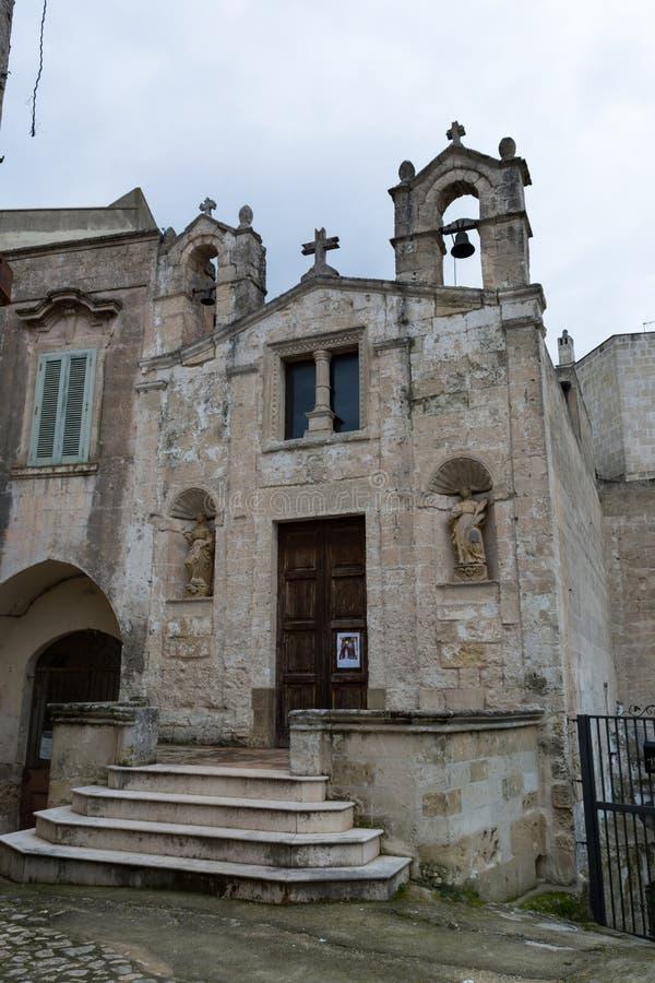 Liten kyrka av St Biagio i den gamla staden av Matera arkivbild
