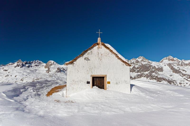 Liten kyrka av StGiacomo arkivfoto