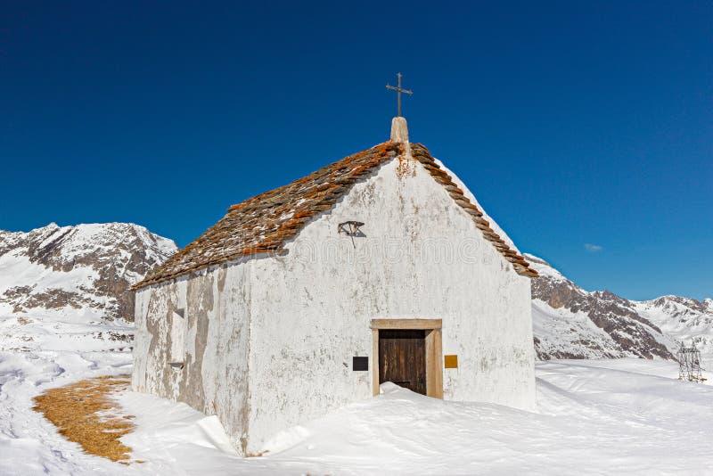 Liten kyrka av StGiacomo arkivbild