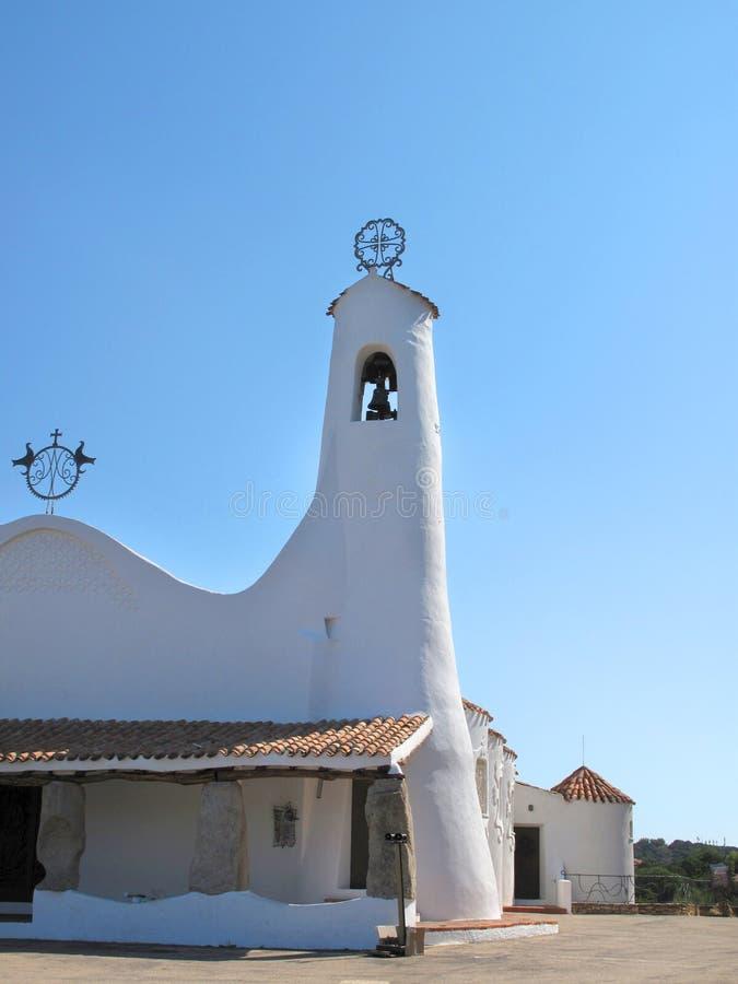 Liten kyrka i den Sardynia ön royaltyfria bilder