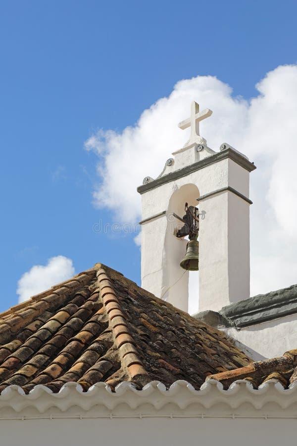 Liten kyrka i staden av Faro, Portugal arkivbilder