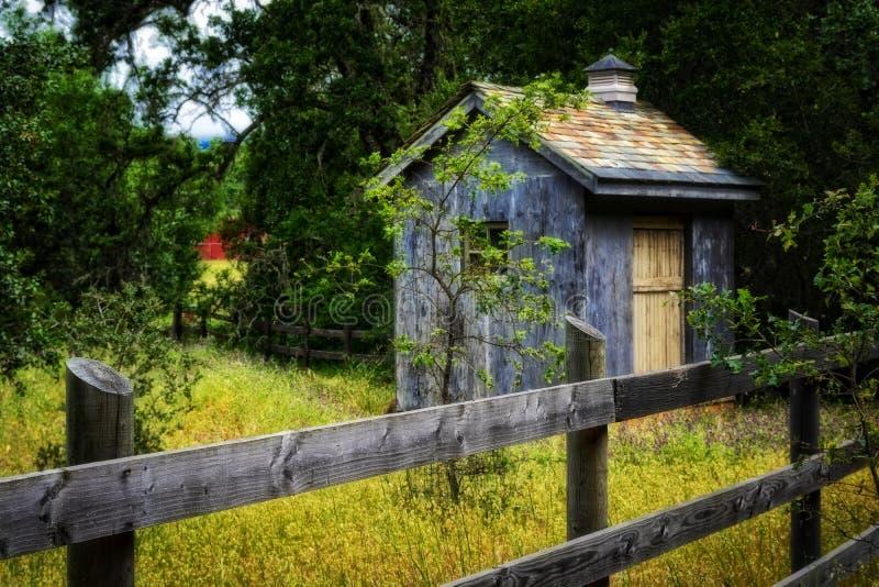 Liten ladugård i Napa Valley royaltyfri foto
