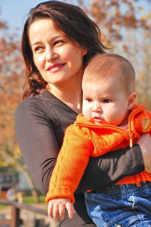 liten mom för flicka arkivfoto