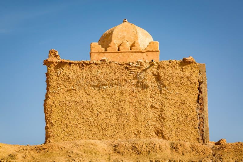 Liten moské i Tabourahte, Marocko royaltyfri foto