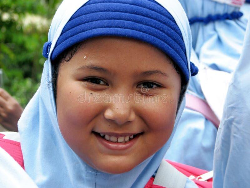 Liten muslimsk flicka royaltyfria bilder