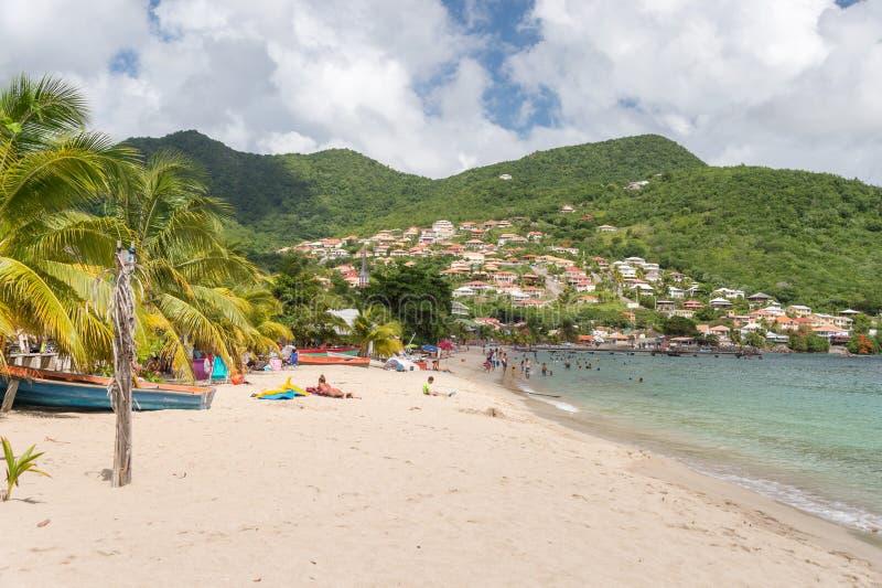 Liten och nätt Anse D `-Arlet strand i Martinique royaltyfria bilder