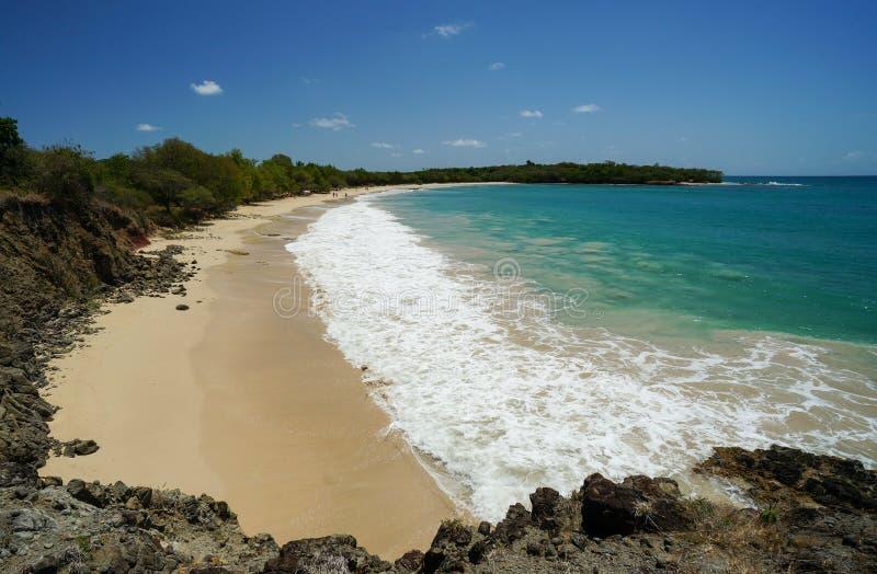 Liten och n?tt-Anse des-saltdam i Martinique fotografering för bildbyråer