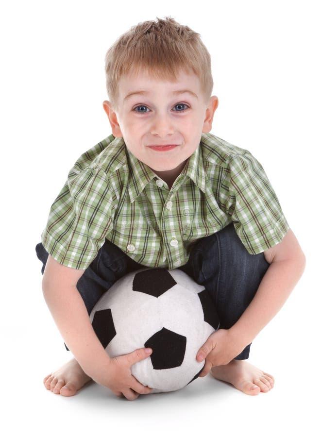 Download Liten pojkefotboll arkivfoto. Bild av lyckligt, roligt - 19776944