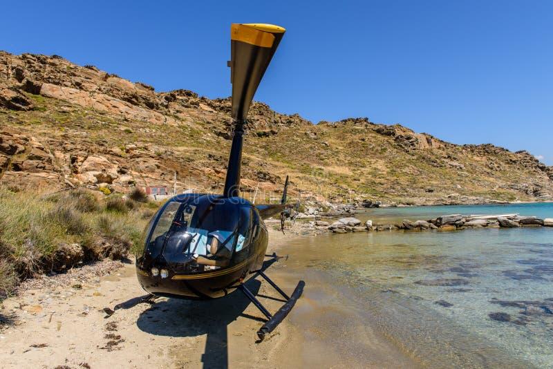 Liten privat helikopter royaltyfri bild