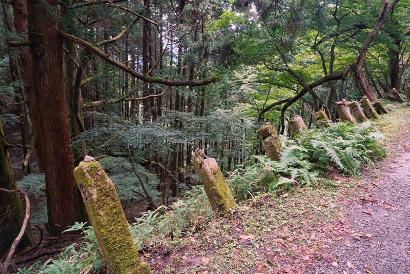 Liten relikskrin på monteringen Hiei Trailpath arkivbilder