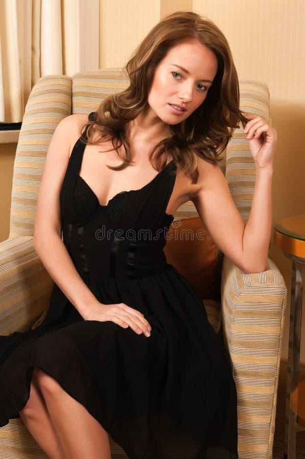 Liten svart klänning royaltyfri foto