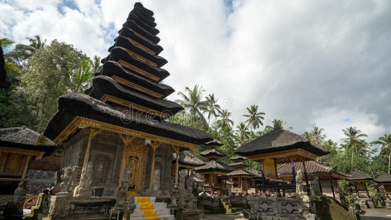 Liten tempel i Bali royaltyfri bild