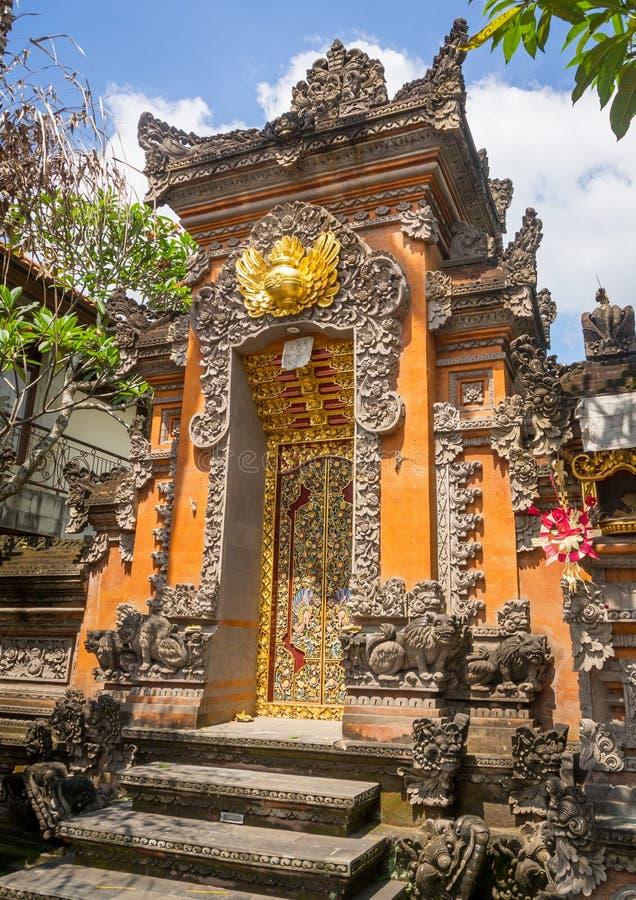 Liten tempel i Bali arkivbild