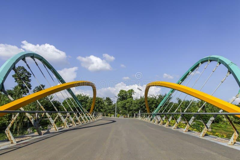 Liten upphängningbro royaltyfri bild