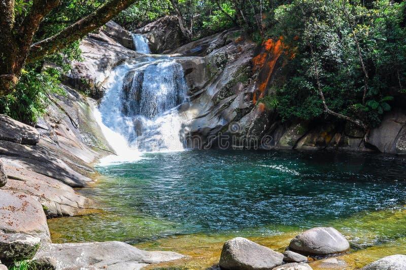 Liten vattenfall i Atherton högslättar, Australien arkivbild