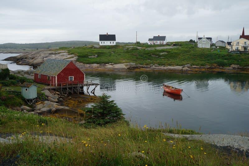 Liten vik för Peggy ` s i Nova Scotia royaltyfri bild