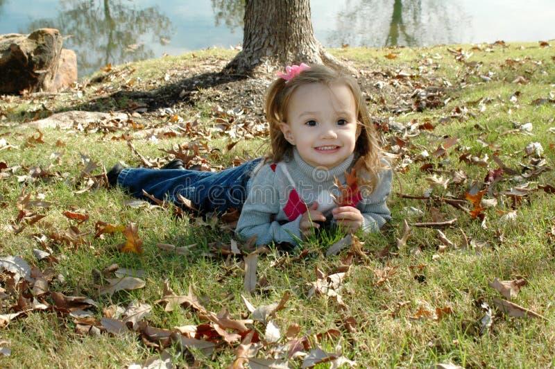 litet barn för leaf s fotografering för bildbyråer