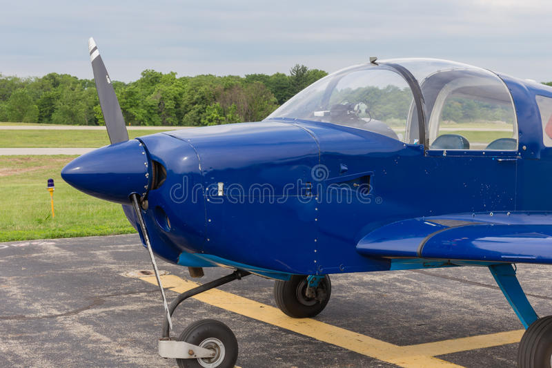 Litet experimentellt flygplan arkivfoton