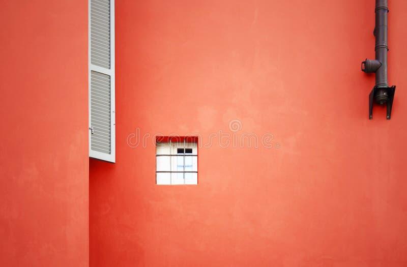 litet fönster för facade royaltyfria bilder