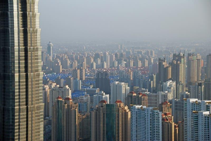litet högväxt för skyskrapor till arkivfoton
