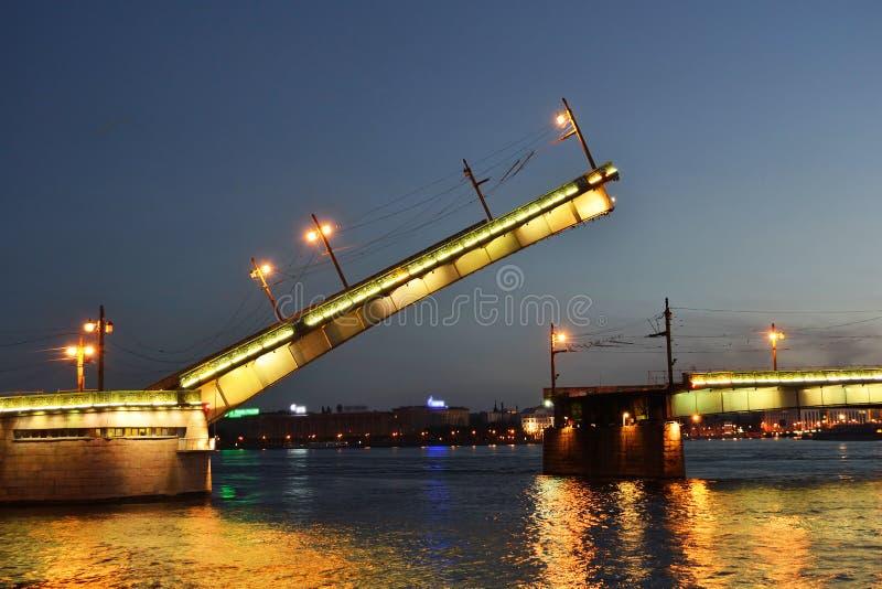 liteyny νύχτα γεφυρών στοκ φωτογραφία με δικαίωμα ελεύθερης χρήσης