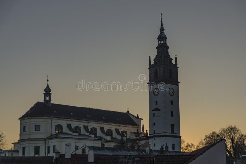 Litomerice grodzcy pałac w zmierzchu czasie zdjęcie royalty free
