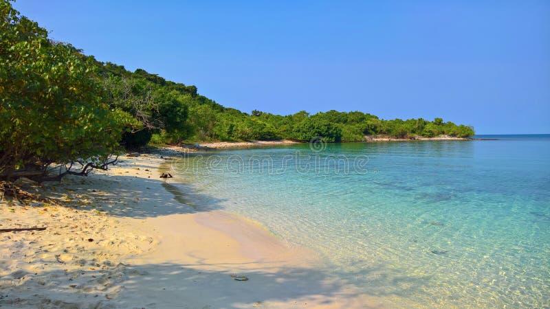 Litoral bonito na ilha de Samed foto de stock